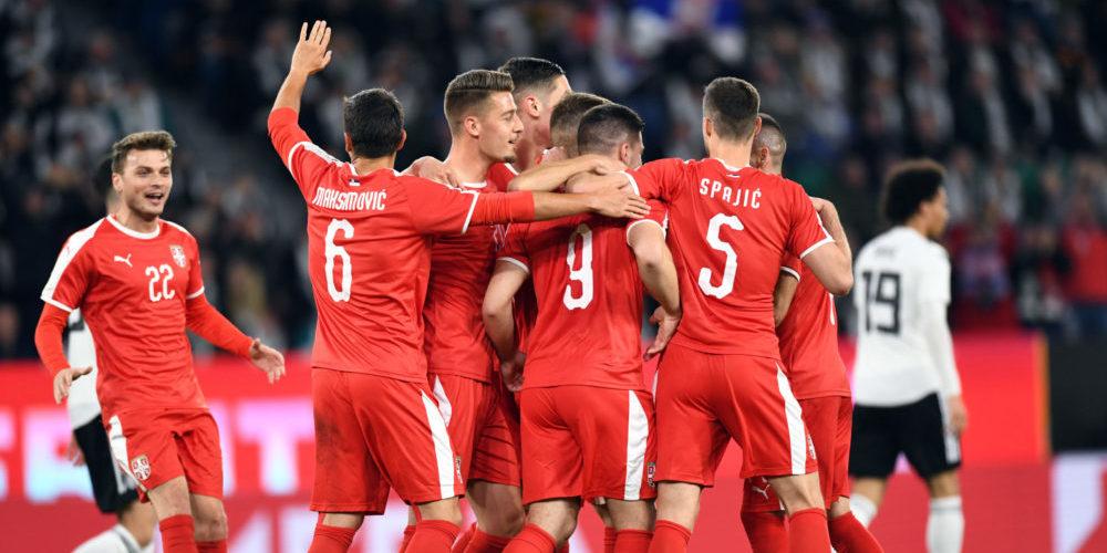 Serbien firar