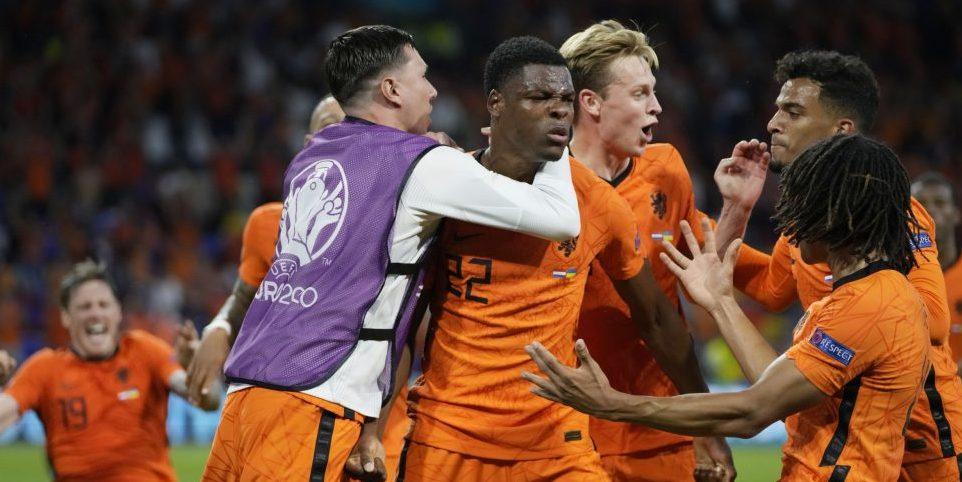 Händelserikt när Nederländerna vann mot Ukraina